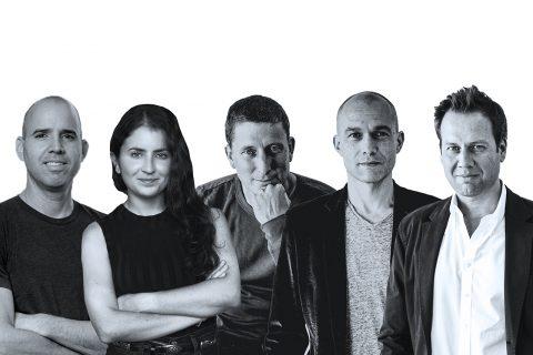 שותפי הקרו, מימין לשמאל: פיט פלינט, גיגי לוי-וייס, ג'יימס קורייר, מורגן בלר, עמרי עמירב-דרורי